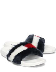 77dacca986eb9 Klapki Tommy HilfigerJeans Funny Fur Pool Slide - Klapki Damskie -  EN0EN00287 020 - Mivo.pl