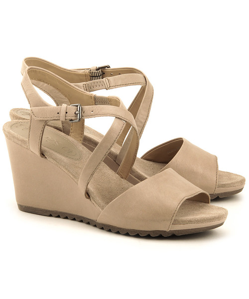 Beżowe sandały damskie skórzane