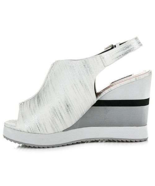 2272223b38b203 Vices Wygodne buty na koturnie KITTY białe, sandały - Butyk.pl