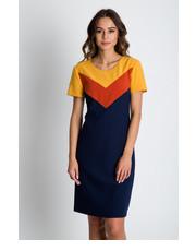 sukienka Bialcon - Trapezowa sukienka z krótkim rękawem