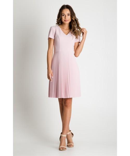 f69e657f86 Sukienka Bialcon Pudrowa sukienka z plisowanym dołem
