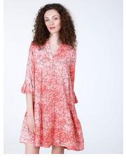 0b7f638120 Sukienka SUKIENKA Z FALBANAMI 184-8037A CORALL - Unisono.eu Unisono