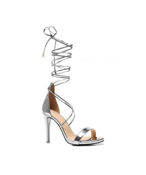 Sandały srebrne na obcasie wiązane