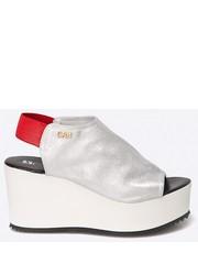 Sandały - Sandały B3245-G57 B3245.G57.Czer - Answear.com Carinii
