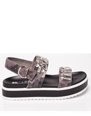 Sandały - Sandały B3962.J85.000.000.C34 - Answear.com Carinii